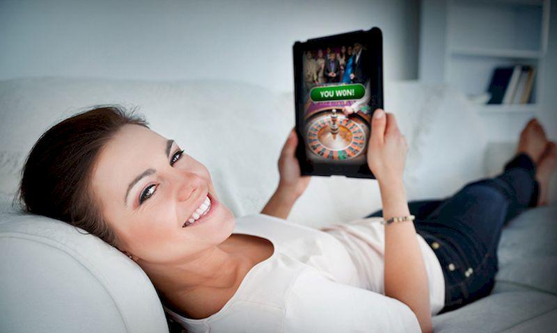 A woman won at an online casino